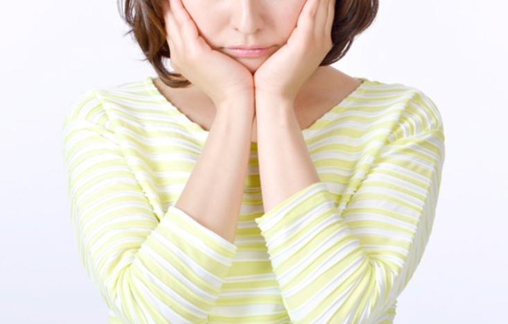 女性の鼻の下の黒ずみ対対処策方法とは